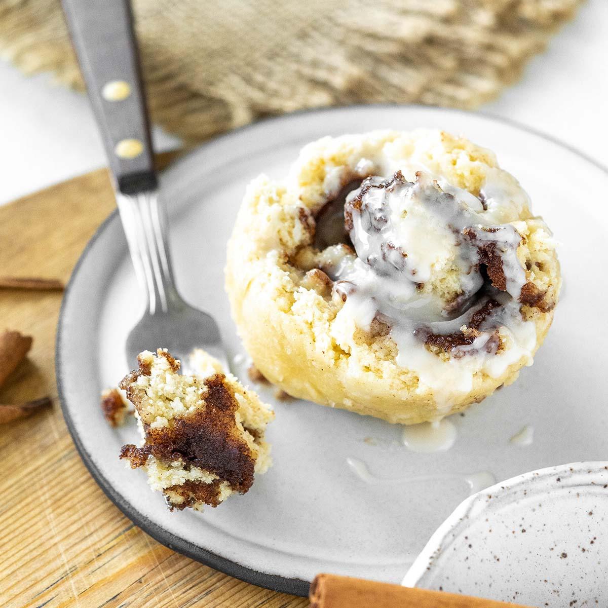 mug cinnamon roll recipe featured image